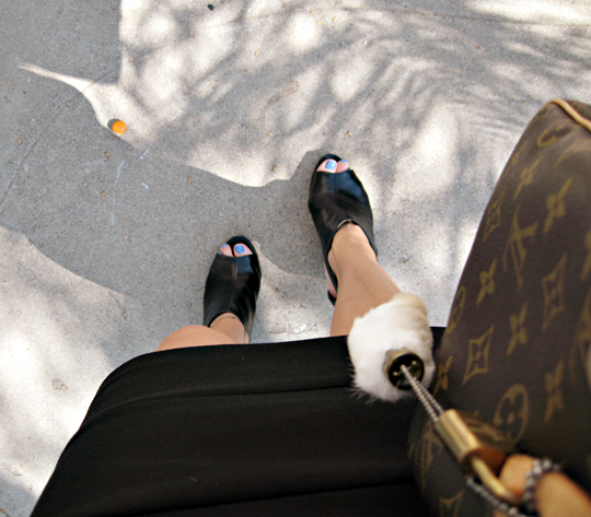 pour la victoire wedges+blue nail polish+rabbits foot+lv bag