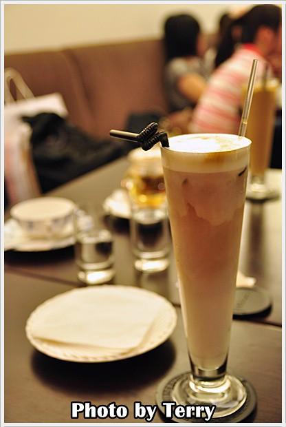 LA VIE CAFE (6)