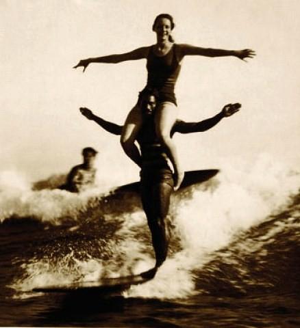 tandem_surfing