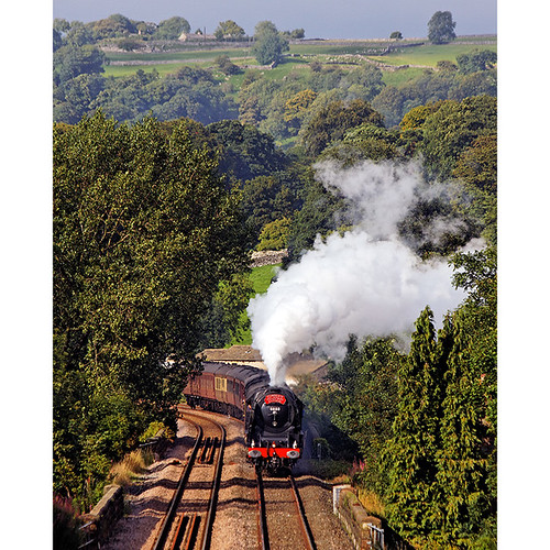The Cumbrian Mountain Express approaches Settle