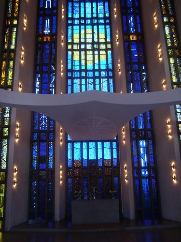 Interiör Uppenbarelsekyrkan Hägersten