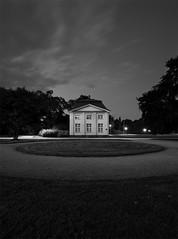 round (davidohl) Tags: light bw house eos dresden exposure nacht low round 5d sw gras nicht 1740mm groser garte