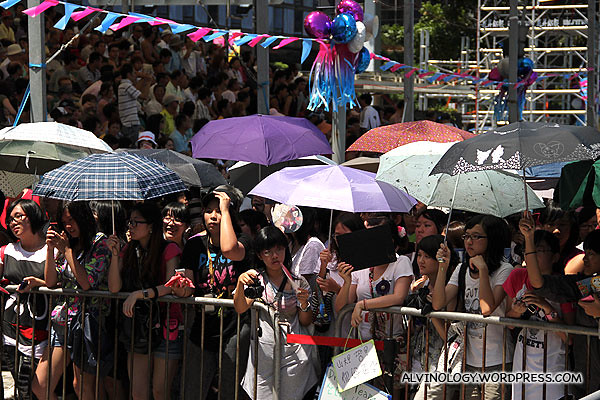 Lots of teenage girls were gathered for the Korean stars