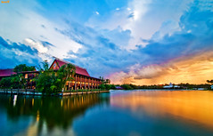 Polynesian Sunset 30 Second Exposure (Tom.Bricker) Tags: nikon florida disney disneyworld mickeymouse wdw waltdisneyworld themepark waltdisney orlandoflorida disneyphotos disneyphotography wdwfigment tombricker