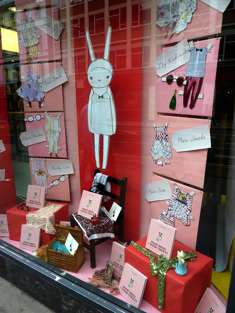 fifi lapin window