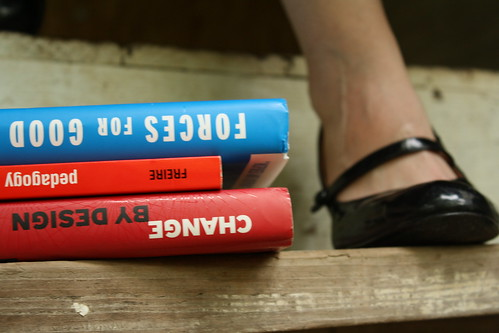 Fashionable Readers image