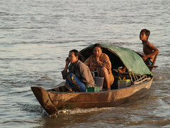 boating to market (Rich Friend) Tags: light work cambodia documentary social dailycommute rivers mobilephone environment 3s development mekong fisheries livelihoods sekongriver sekong 3sbasin sekongbasin