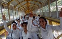 kashmir-studentesse