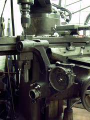 P200E (roel 6x6) Tags: mill vespa engine bridgeport p200e millingmachine enginerepair largeframe