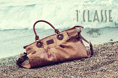 In Explore (H) (Noura -) Tags: beach canon wonderful bag indonesia lens handbag 550 55250 elviromartini