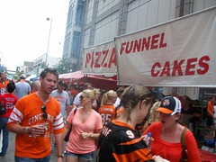 Funnel Cake and Pizza booth (Coasterville) Tags: oktoberfest zinzinnati