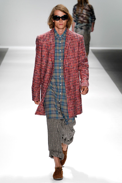 Christian Brylle3140_SS11_NY_Dukie Brown(GQcom)