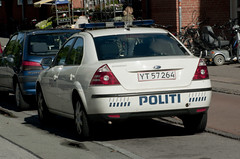 Politi Ford Mondeo. (Danish Emergency Vehicles.) Tags: b ford alarm car denmark fotograf photographer 911 police olympus e 400 danish bil vehicle emergency 112 danmark polizei patrol policia dansk kbenhavn vogn unit 999 mondeo kbenhavns evolt politi sjlland p11 policie politibil e400 a amatr kretj patrulje amatrfotograf udrykning kreds patruljevogn udrykningskretj udryknings patruljebil politivogn politikreds poltipatrulje