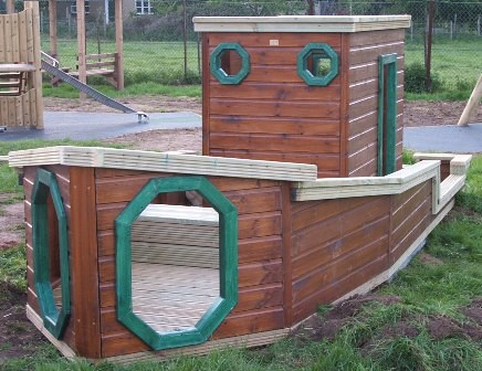 Wooden Boat Shaped Play Frame - Project code: PC050405