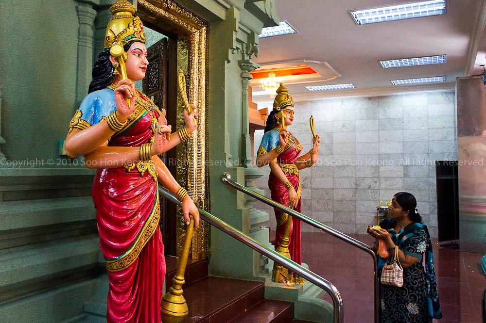 Pray @ Sri Maha Mariamman Temple Dhevasthanam, KL, Malaysia
