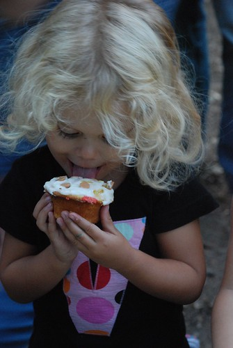 Violet And Her Cupcake