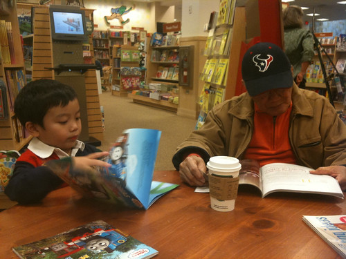 Reading with lolo
