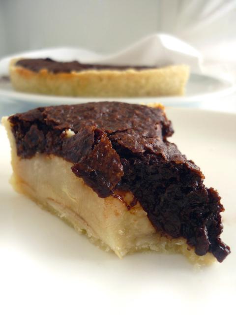 crostata fondente con pere e cacao