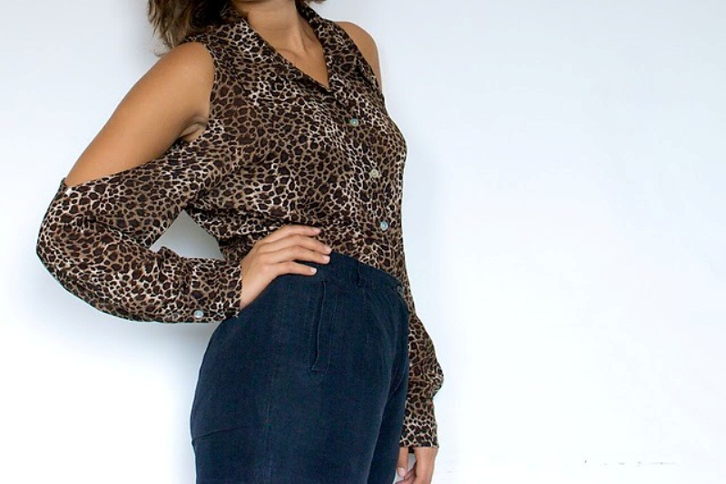 DIY Leopard Print Shoulderless Shirt 2