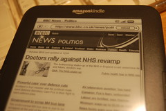 Kindle displaying BBC News web page
