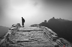 THE GREAT WALL/the pilgrim (inigolai) Tags: china travel people bw monochrome sepia walks culture silhouettes bn traveller greatwall monuments toned pilgrim arquitecture peregrino travelphotography freephotos travelplanet worldwidetravelogue 4tografie trekks