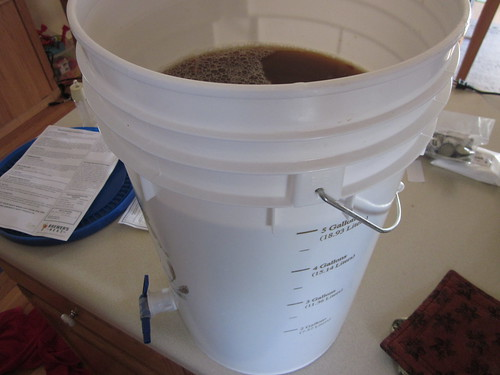 Bucket before lid