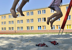 Biala Podlaska Reception Centre (UNHCR Central Europe) Tags: children play poland polska swing reception asylum unhcr centraleurope chechen asylumseeker bialapodlaska receptioncentre europierodkowej unhcrpoland
