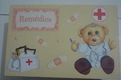 DSC00081 - Caixa de remdios (NAlutiis) Tags: caixa mdf remdios medicamentos farmacinha