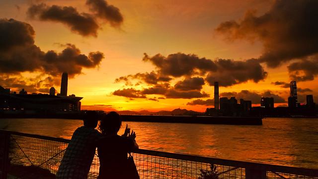 湾仔海滨长廊 回应和最爱 fm54to (8个月前| 回覆)  seen in hongkon