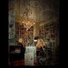 _en busca de nuevas lecturas_ ([marta dez . fotografa]) Tags: texture textura amsterdam books viajes holanda lampara libros bookshop libreria lecturas pinceles readers lectores paisesbajos texturizar minerva77
