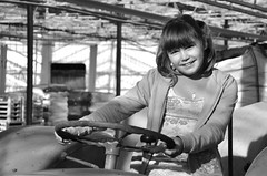 Agricultrice en herbe !  Budding(In the blade) farmer ! (Dubus Laurent) Tags: family friends portrait people blackandwhite bw woman baby white black france girl monochrome smile face pose french fun model nikon noir child noiretblanc photos femme profile nobody lumiere pause enfant fille sourire blanc personne dunkerque nord stealing gamin towing poeple tracteur tte visage conduire gamine personnage fillette humain rosendael d90 volant conduite dunkerquoise dunkerquois