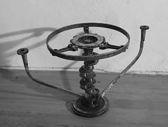 table support (pedrobigore) Tags: sculpture chien table bateau poisson métal fer masque acier danseuse récup volant bestioles récupération soudure soudeur féraille akouma hipocamppe