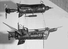 bateau volant (pedrobigore) Tags: sculpture chien table bateau poisson métal fer masque acier danseuse récup volant bestioles récupération soudure soudeur féraille akouma hipocamppe