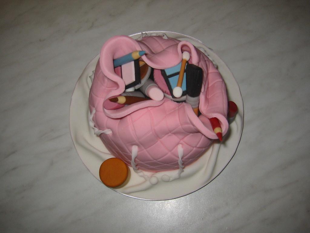 41 - Make-up Bag Cake