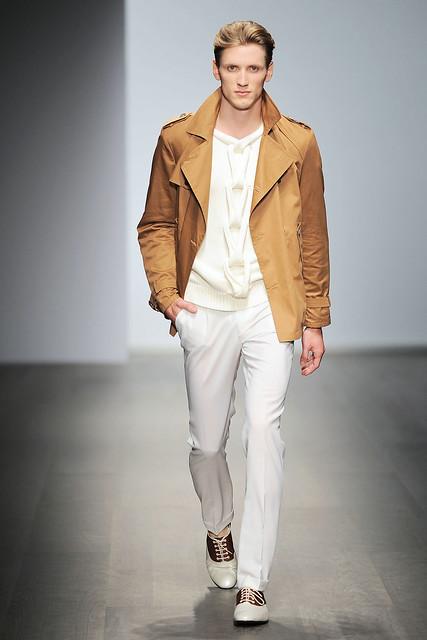 Bastiaan Ninaber3108_SS10_Milan_Salvatore Ferragamo(VOGUEcom)