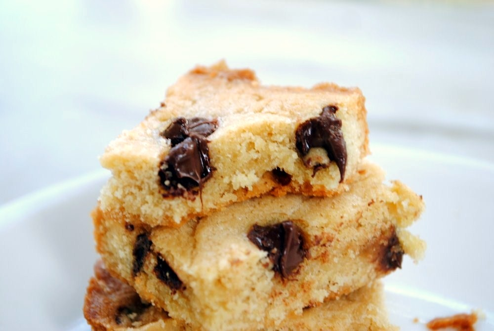 chocolate chip blondie2