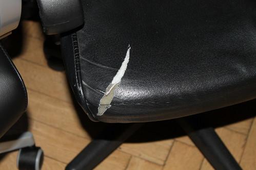 Aspelund Ikea Kast Handleiding ~ Die Armlehne ist übrigens auch abgewetzt gewesen, die ließ sich aber