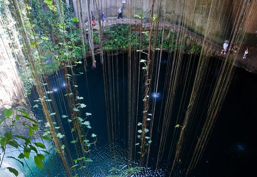 Cenote Ik-Kil 01