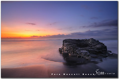 the well - pura masceti beach - bali (fiftymm99) Tags: lighting old morning sea people bali sun house seascape beach sunrise indonesia fishing fisherman nikon wave well d300 blacksands fiftymm fiftymm99 puramascetibeach gettyimagessingaporeq2