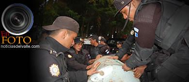 Gasolina por policías