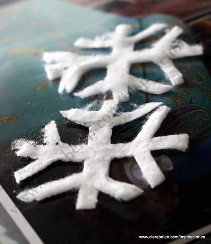 _Manualidades Navideñas: Como hacer copos de nieve con discos de algodón para desmaquillar