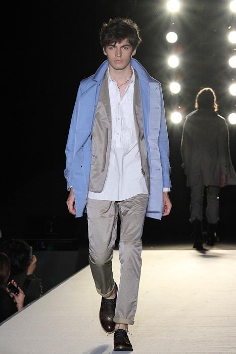 SS11_Tokyo_LANVIN en Bleu003_Michael Elmquist(Fashionsnap)