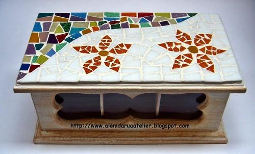 caixa de chá em mosaico