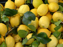 Profumo di limoni / Scent of lemons (simonetta manca (Always more busy! Sorry!)) Tags: italy amalfi