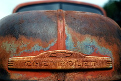 Rusty Chevy Pick-Up (tobysx70) Tags: contax g1 rangefinder 35mm 135 kodak royal gold 25 rz color negative film route rt rte 66 new mexico nm rusty chrome patina chevrolet chevy pickup truck hood bokeh abandoned toby hancock photography