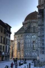 Indirect Illumination at the Florence Cathedral, Firenze, Italy (beatbull) Tags: italien light italy reflection church sunrise florence cathedral dom basilica illumination kirche chiesa tuscany dome firenze duomo toscana hdr florenz brunelleschi toskana indirect florencecathedral piazzadelduomo filippobrunelleschi tthdr olaszorszag basilicadisantamariafiore cattedraledisantamariafiore beatbull