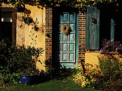 Porte verte (devant) (Vixentepro) Tags: door house garden jardin porte maison