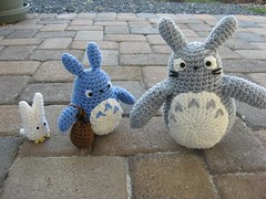 all 3Totoros: gray, blue, and white