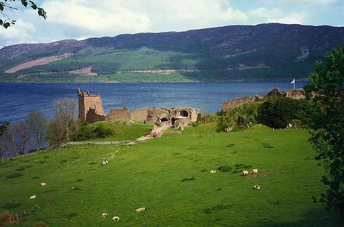 Urquhart, krvavý hrad nad Loch Ness