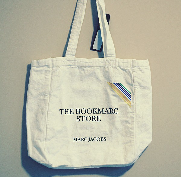 Book Marc Tote